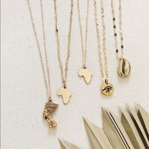 Dainty Golden Africa Pendent Necklace